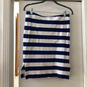 Blue & White Banana Republic size 6 Striped skirt